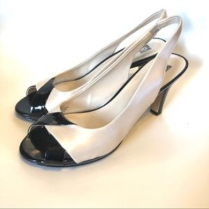Anne Klein black & cream peep toe heels 8.5